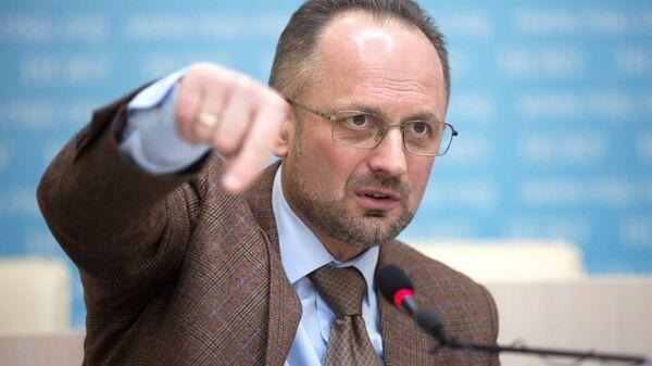 Кандидат в президенты Украины Роман Бессмертный во время пресс-конференции в Киеве. 13 февраля 2019