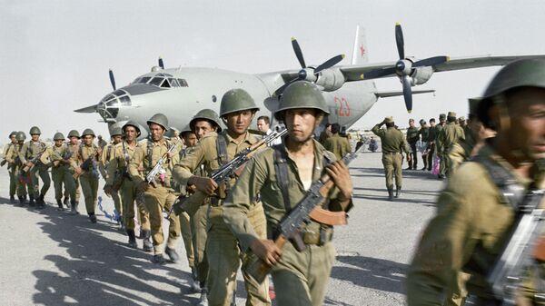Высадка отряда специального назначения для проведения боевой операции в районе провинции Нангархар, Афганистан
