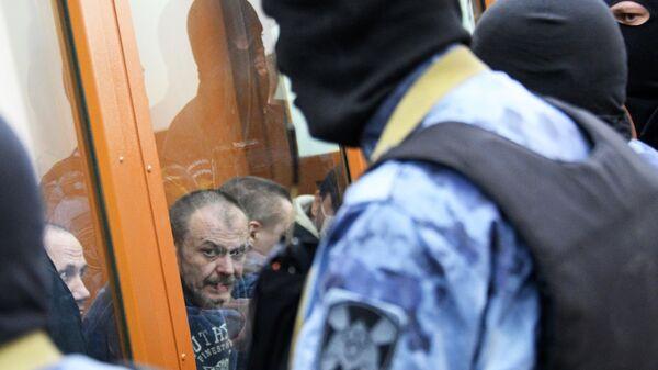 Участники преступной организации, созданной и возглавляемой уроженцем Грузии Асланом Гагиевым, во время предварительных слушаний в Московском окружном военном суде в Москве