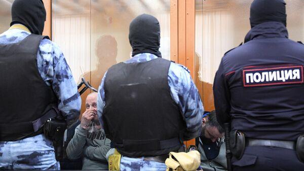 Участники преступной организации, созданной и возглавляемой уроженцем Грузии Асланом Гагиевым, во время предварительных слушаний в Московском окружном военном суде