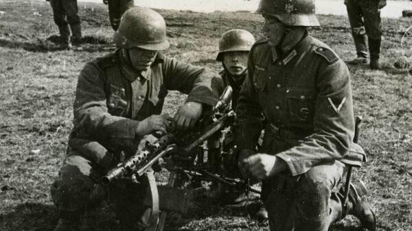 Солдаты Голубой дивизии на восточном фронте. 1941 год