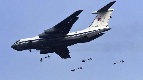 Десантирование из самолета Ил-76МД