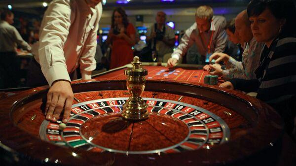 Зал для игры в рулетку в развлекательном комплексе Оракул игровой зоны Азов Сити