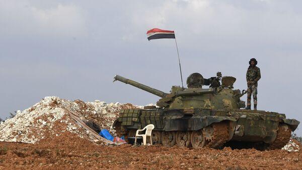 Военнослужащие сирийской армии на передовых позициях в районе города Манбидж
