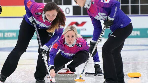 Екатерина Кузьмина,  Алина Ковалева и Галина Арсенькина (слева направо)
