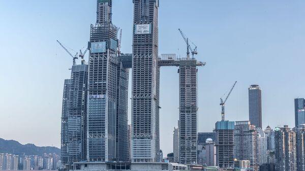 Строительство небоскреба Raffles City Chongqing в Китае