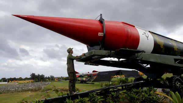 Макет советской ракеты в военном комплексе Морро-Кабана в Гаване, Куба