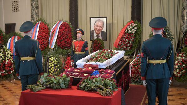 Церемония прощания с академиком Жоресом Алферовым в научном центре РАН в Санкт-Петербурге. 5 марта 2019