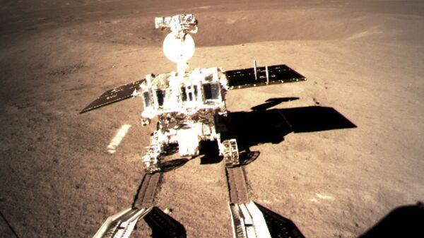 Китайский луноход Юйту-2 на обратной стороне Луны