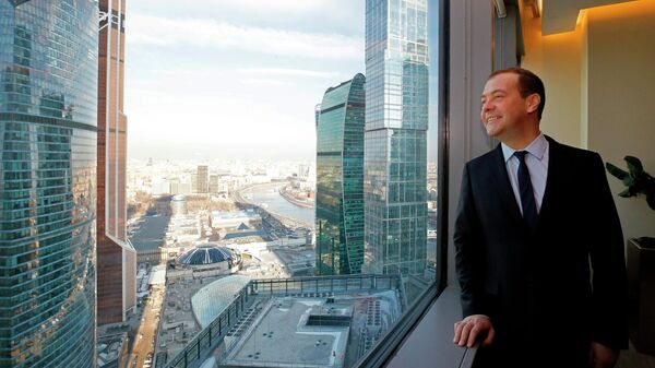 Председатель правительства РФ Дмитрий Медведев на территории ММДЦ Москва-Сити. 14 марта 2019