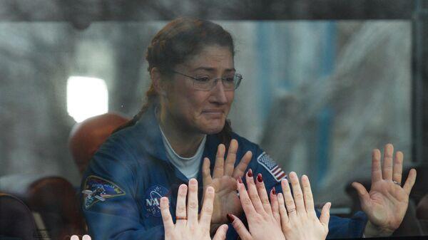 Член основного экипажа 59/60-й длительной экспедиции на МКС астронавт NASA Кристина Кох перед запуском ракеты-носителя Союз-ФГ с транспортным пилотируемым кораблем Союз МС-12 с космодрома Байконур
