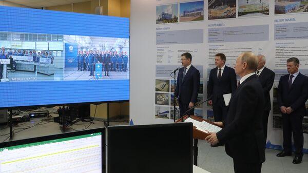 Президент РФ Владимир Путин на церемонии ввода в эксплуатацию Балаклавской ТЭС, а также Таврической ТЭС и подстанции Порт в Тамани