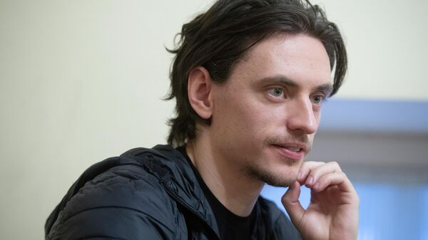 Танцовщик Сергей Полунин во время интервью