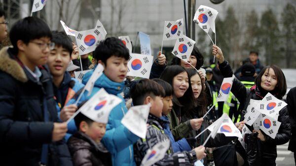 Студенты из Южной Кореи во время акции против Дня Такэсимы в Сеуле. 22 февраля 2015