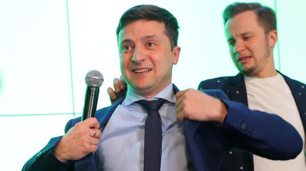 Кандидат в президенты Украины, актер Владимир Зеленский в своем избирательном штабе в Киеве. 31 марта 2019