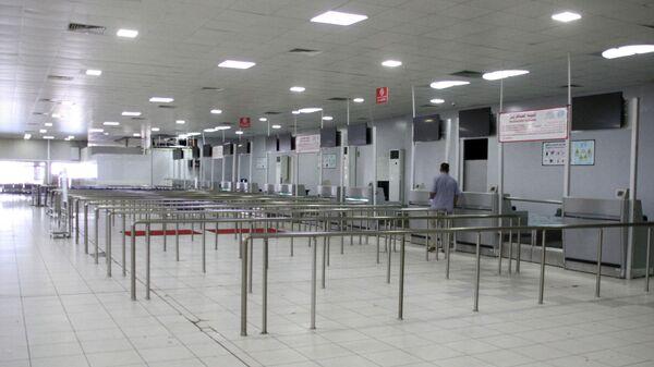 В аэропорту Триполи Митига, Ливия