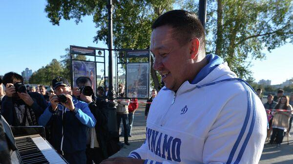 Челябинский силач Эльбрус Нигматуллин установил мировой рекорд