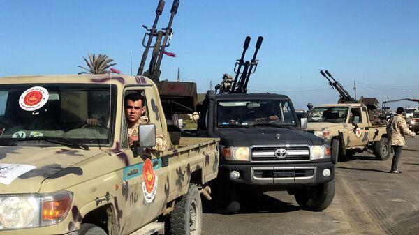 Вооруженные силы, подданые Правительству нацсогласия, поддерживаемому ООН, прибывают в пригород ливийской столицы Триполи. 6 апреля 2019
