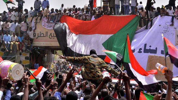 Демонстранты в Хартуме, Судан