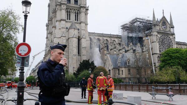 Последствия пожара в соборе Парижской Богоматери