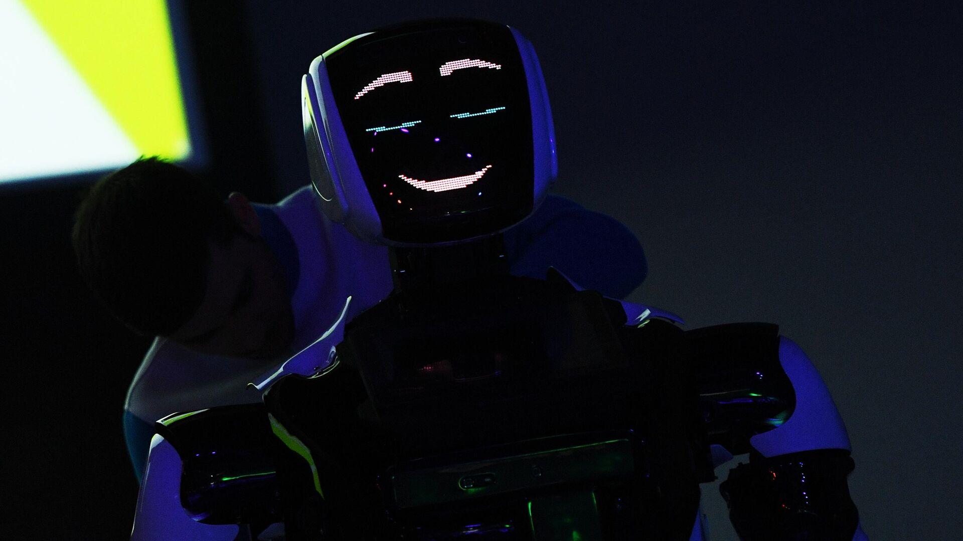 Презентация нового робота компании Промобот на форуме Skolkovo Robotics - РИА Новости, 1920, 22.10.2020