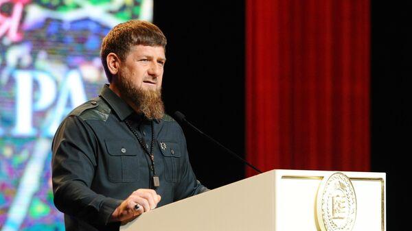Глава Чеченской Республики Рамзан Кадыров выступает на торжественном мероприятии, посвященном Дню мира в Чеченской Республике, в Государственном театрально-концертном зале в Грозном. 16 апреля 2019