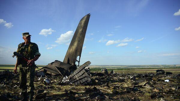 Место крушения самолета ИЛ-76 ВВС Украины