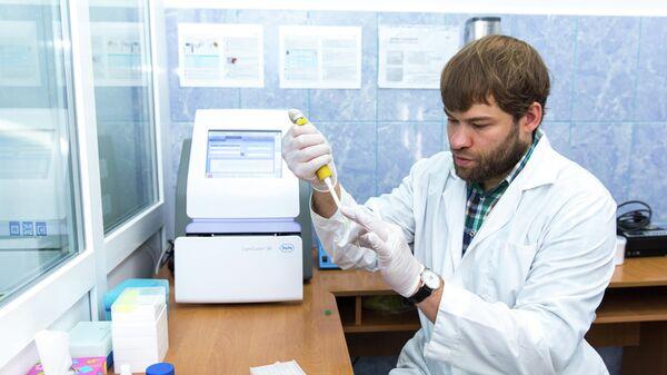 Владимир Оберемок проводит исследования по созданию oligoRIBO-11-инсектицида