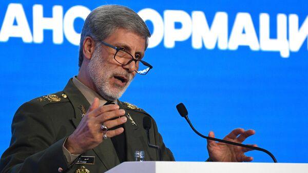 Министр обороны Ирана Амир Хатами