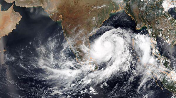 Спутниковый снимок циклона Фани у побережья Индии в Бенгальском заливе. 1 мая 2019
