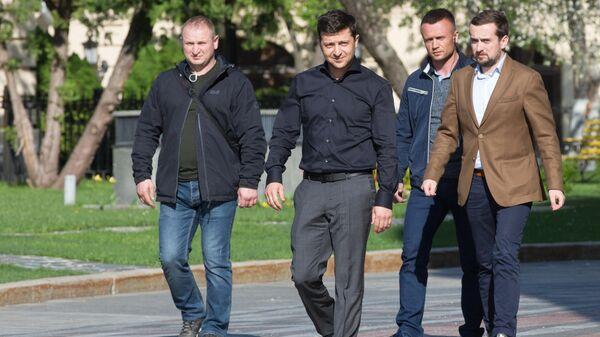 Избранный президент Украины Владимир Зеленский после завершения встречи с лидерами фракций Верховной рады. 4 мая 2019