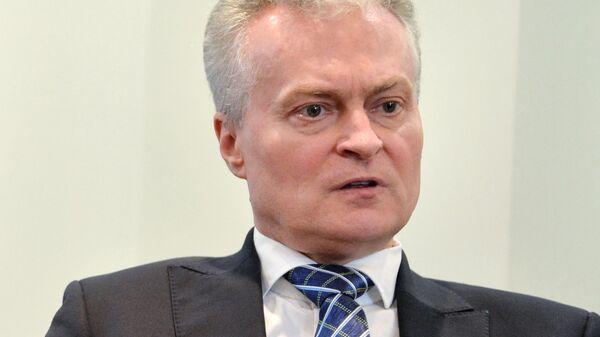 Кандидат в президенты Литвы, экономист Гитанас Науседа в своём избирательном штабе
