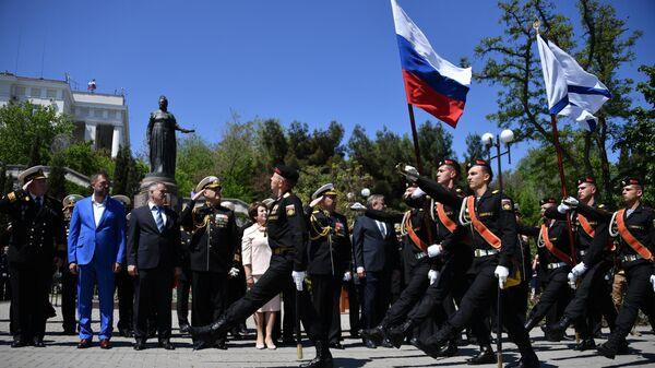 Служащие Черноморского флота во время митинга в Севастополе в рамках мероприятий, посвященных празднованию 236-й годовщины Черноморского флота. 13 мая 2019