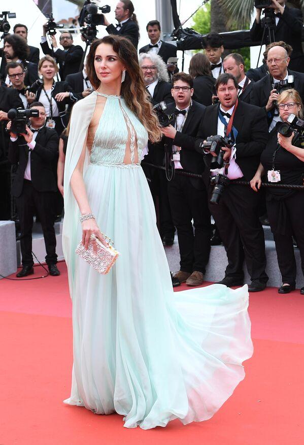 Французская актриса Фредерик Бель на красной дорожке церемонии открытия 72-го Каннского международного кинофестиваля