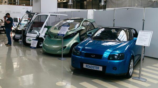 Лада Родстер, концепт электрокара Рапан и электромобиль  Лада Гольф в музее прототипов АвтоВАЗ в Тольятти