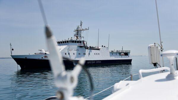 Работа береговой охраны Пограничной службы ФСБ РФ в Керченском проливе.