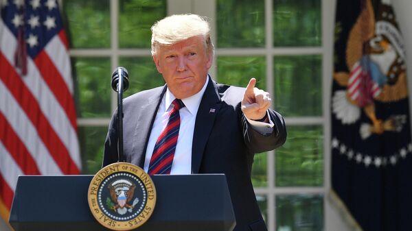 Президент США Дональд Трамп выступает в Розовом саду Белого дома в Вашингтоне