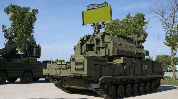 Всепогодный тактический зенитный ракетный комплекс ТОР-М2 на полигоне Ейский Учебного центра войсковой противовоздушной обороны, где проходит всеармейский конкурс Чистое небо