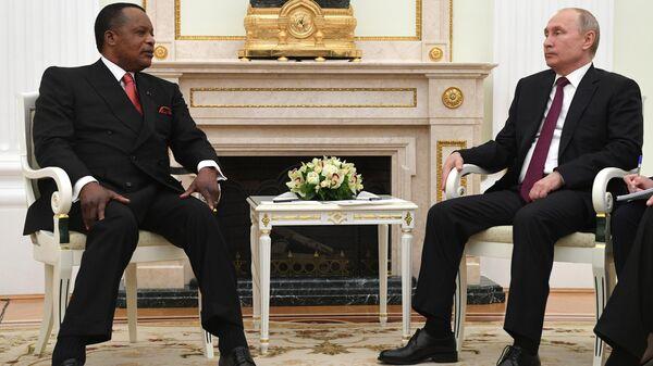 Владимир Путин и президентом Республики Конго Дени Сассу-Нгессо во время встречи. 23 мая 2019