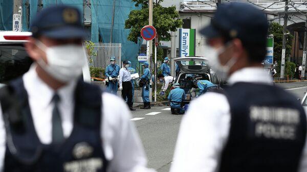 Сотрудники японской полиции на месте происшествия в Кавасаки. 28 мая 2019