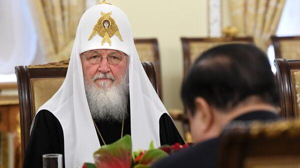Патриарх Московский и всея Руси Кирилл во время встречи с председателем национального собрания Южной Кореи Мун Хи Саном в патриаршей и синодальной резиденции в Москве. 29 апреля 2019