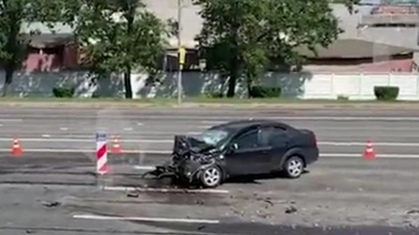 В Сети появилось видео с места массового ДТП на Кутузовском проспекте в Москве