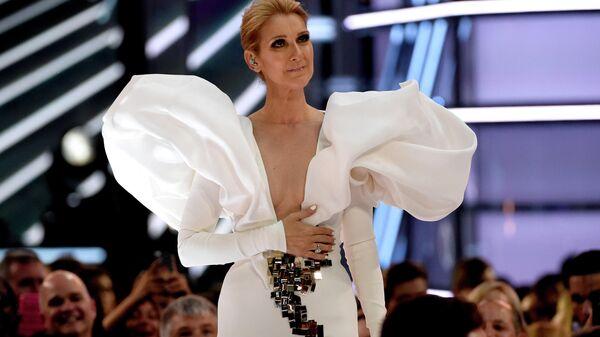 Селин Дион выступает на Billboard Music Awards