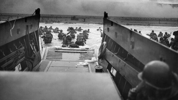 Высадка войск американской 1-й пехотной дивизии. Пляж Омаха. Утро 6 июня 1944 года