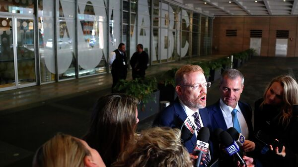 Редакционный директор Австралийской радиовещательной корпорации (ABC) Крэйг МакМерти во время пресс-конференции после обысков в офисах ABC. 5 июня 2019