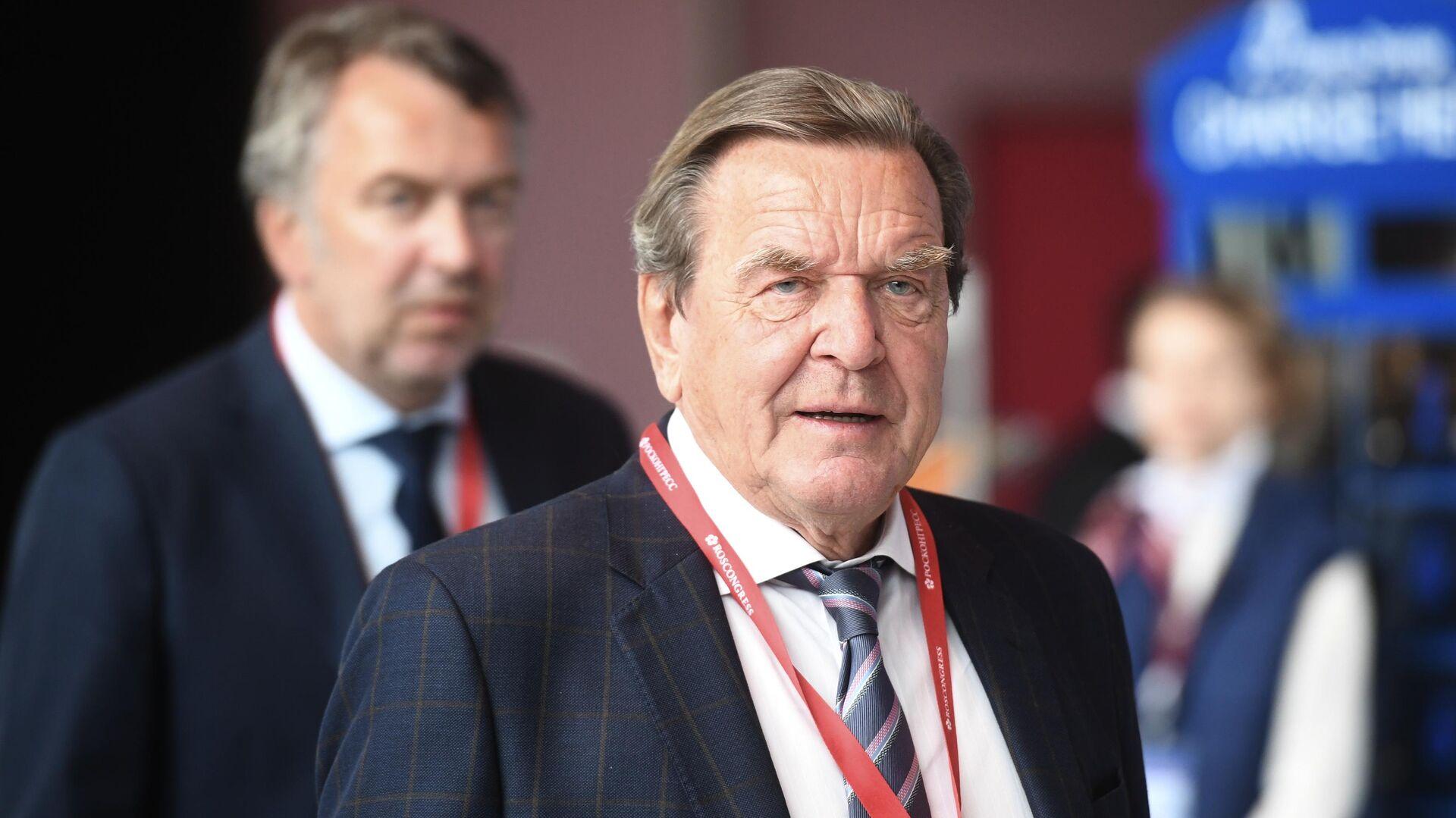 Председатель комитета акционеров Nord Stream 2 Герхард Шредер на Петербургском международном экономическом форуме 2019 - РИА Новости, 1920, 17.01.2021