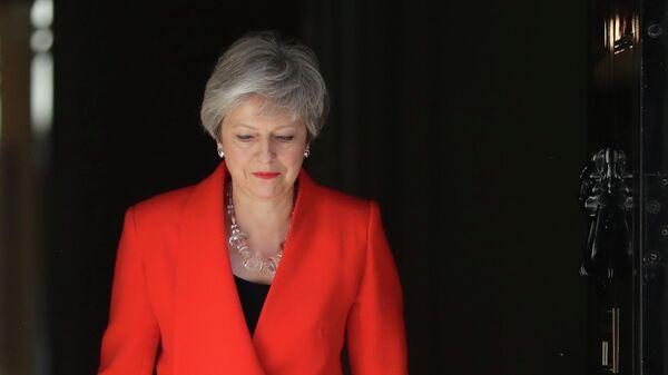 Терреза Инкогнита. Премьер Британии официально стала хромой уткой