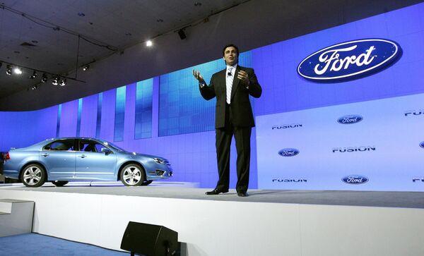 2010 Ford Fusion Hybrid на международном автосалоне в Лос-Анджелесе