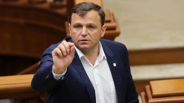 Вице-премьер министр, министр внутренних дел Молдавии Андрей Нэстасе на заседании парламента Молдавии в Кишиневе. 9 июня 2019