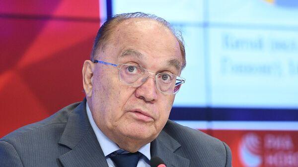 Виктор Садовничий во время пресс-конференции в Международном мультимедийном пресс-центре МИА Россия сегодня